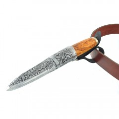 Kniv med slire i tinn